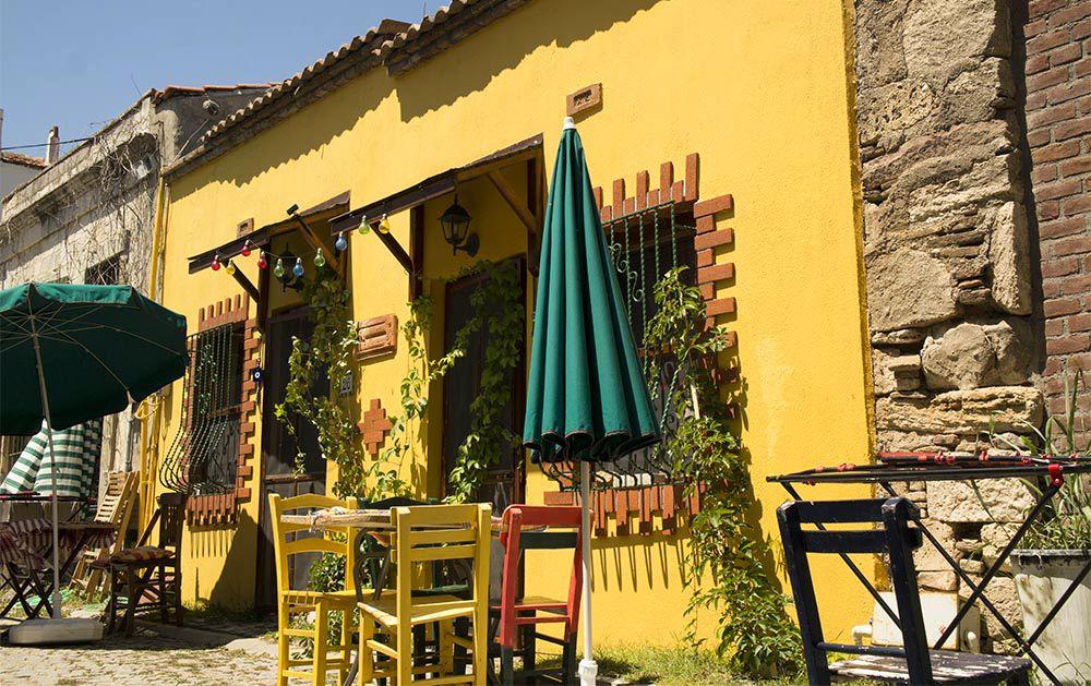 Bozcaada, Bozcaada sokak, Bozcaada sokakları, Bozcaada renkli sokaklar, Bozcaada sokak fotoğraf