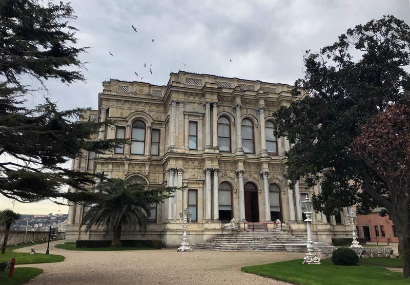 Beylerbeyi Sarayı, Beylerbeyi Sarayı tarihi, Beylerbeyi Sarayı tarihçe, Beylerbeyi Sarayı giriş ücreti, Beylerbeyi Sarayı ziyaret saati, Beylerbeyi Sarayı nerede, Beylerbeyi Sarayı nasıl gidilir