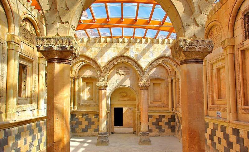 İshak Paşa Sarayı, İshak Paşa Sarayı nerede, İshak Paşa Sarayı nerededir, İshak Paşa Sarayı nasıl gidilir
