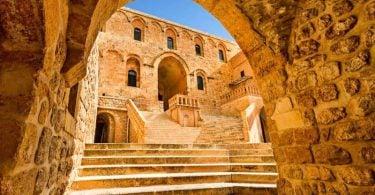 Deyrulzafaran Manastırı, Deyrulzafaran Manastırı tarihi, Deyrulzafaran Manastırı hakkında bilgi, Deyrulzafaran Manastırı nerede, Deyrulzafaran Manastırı giriş ücreti