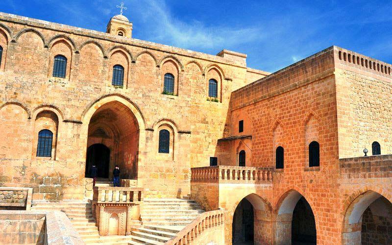 Deyrulzafaran Manastırı, Deyrulzafaran Manastırı nerede, Deyrulzafaran Manastırı nasıl gidilir, Mardin Deyrulzafaran Manastırı
