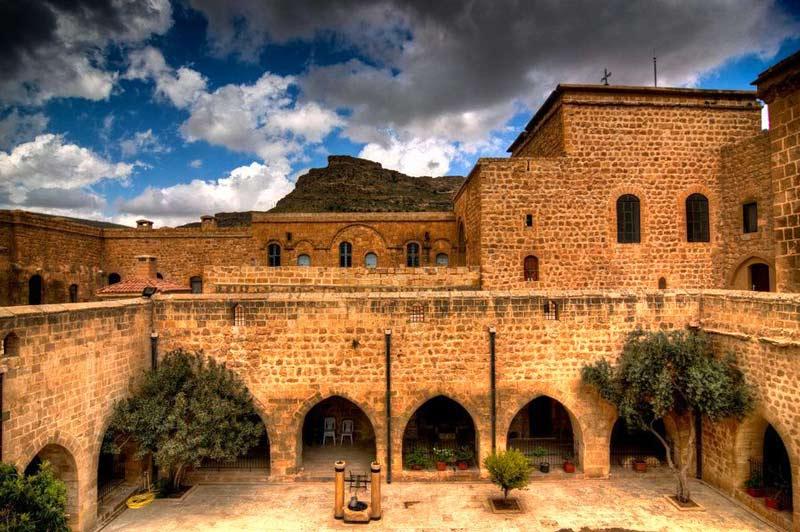 Deyrulzafaran Manastırı, Deyrulzafaran Manastırı tarihi, Deyrulzafaran Manastırı hakkında bilgi
