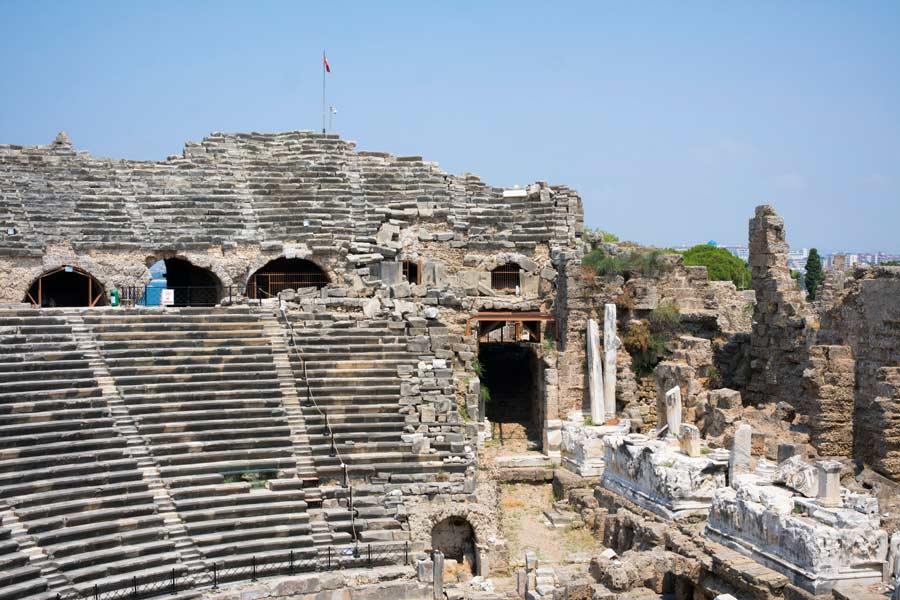 Side, Side Antik tiyatrosu, Side Antik tiyatrosu nerede, Side Antik tiyatrosu hakkında bilgi, Side Antik tiyatrosu tarihi, Side Antik tiyatrosu giriş ücreti